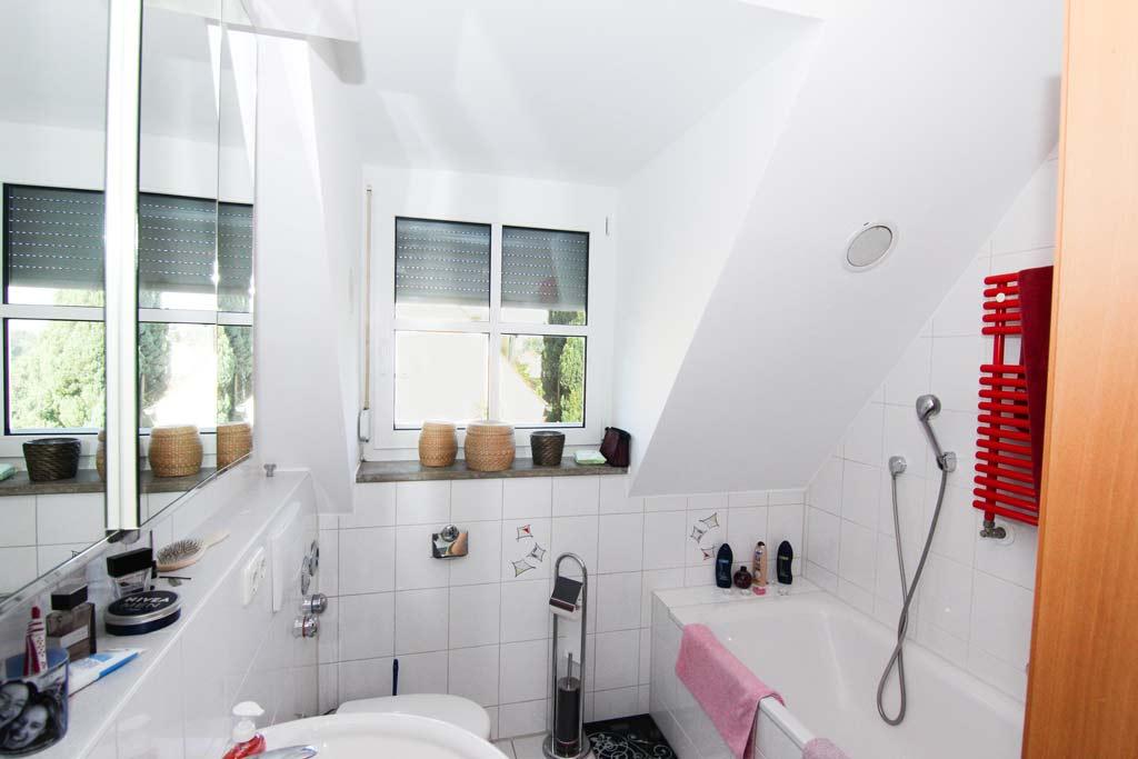 Ruhig gelegene Maisonette mit Balkon Badezimmer-Bild-1