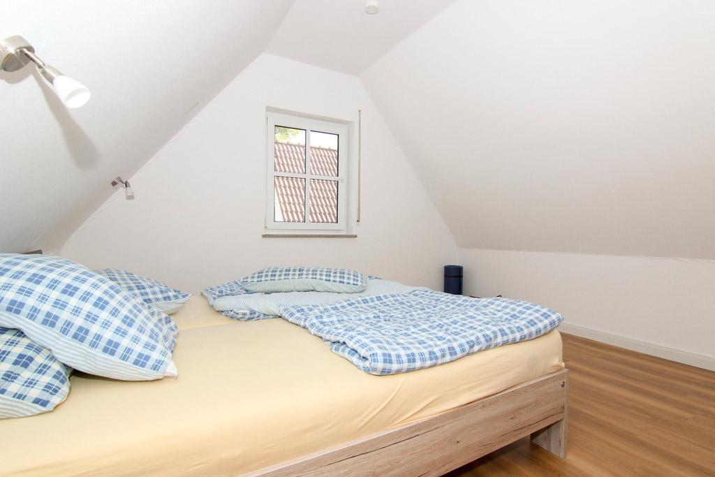 Ruhig gelegene Maisonette mit Balkon Schlafzimmer-Bild-2