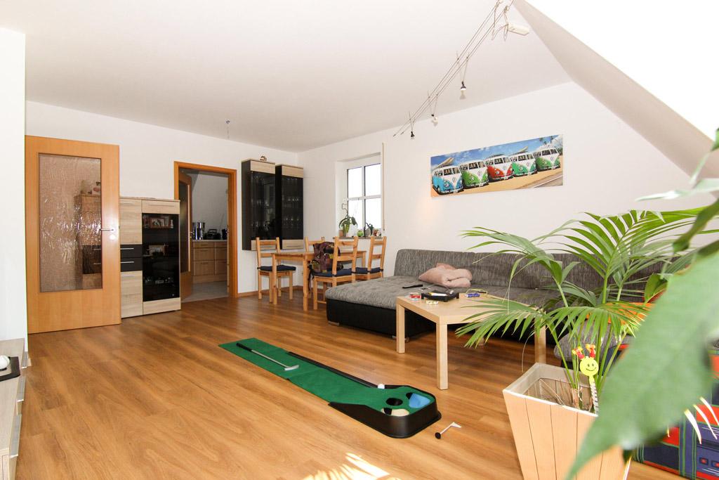 Ruhig gelegene Maisonette mit Balkon Wohnzimmer-Bild-2