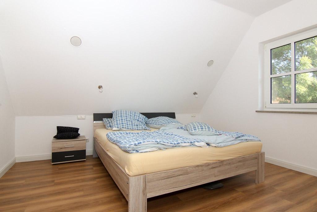 Ruhig gelegene Maisonette mit BalkonSchlafzimmer-Bild-1